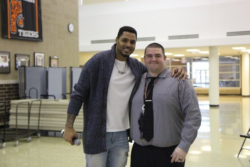 Former NFL Player Visits Unity