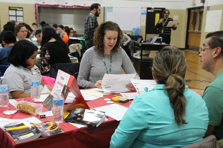 Friendly family competition: Parents, children participate in Battle of the Books at Cicero East