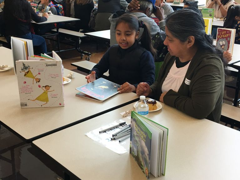 Lincoln students enjoy morning of reading with grandparents, parents